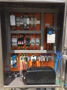 Painel elétrico de sistema de automação de poços