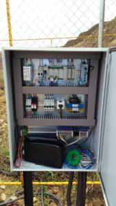 Painel elétrico utilizado para automação de poços e reservatórios
